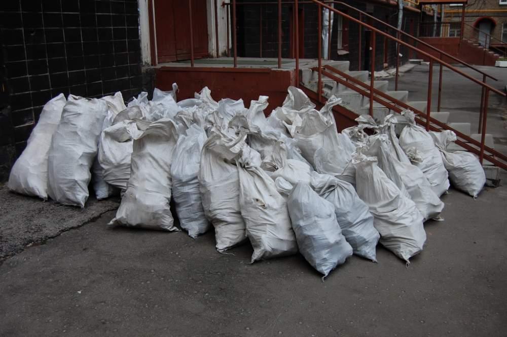 как вывозить строительный мусор из квартиры